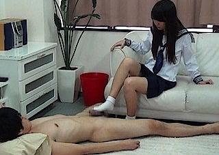 変態CFNM野郎と女子校生
