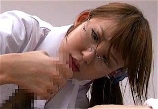 チンポに真剣な女医さn