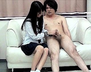 女子校生と手コキ