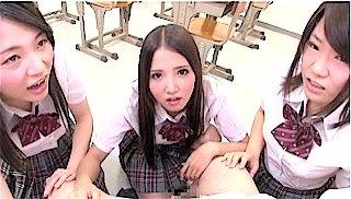 包茎いじめする女子校生