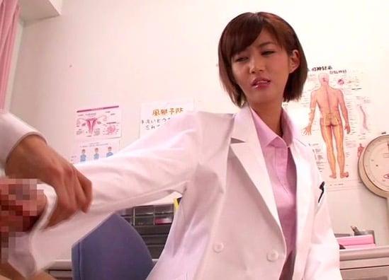 麻生希は淫乱女教師