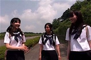 学校帰りの女子●学生